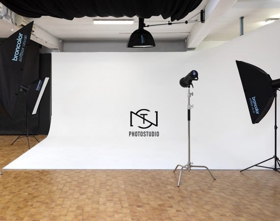 NST Photostudio studio fotografico Torino Broncolor